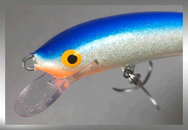 Nils Master Invincible 12 cm Floating Wobbler, Farbe: blau/weiß/glitter 046, Gewicht: 24 Gramm