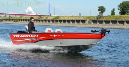 Aluminium-Boote von Tracker sind perfekt für´s Vertikalen.