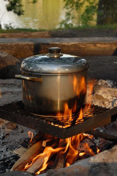Fischsuppe, frisch zubereitet.