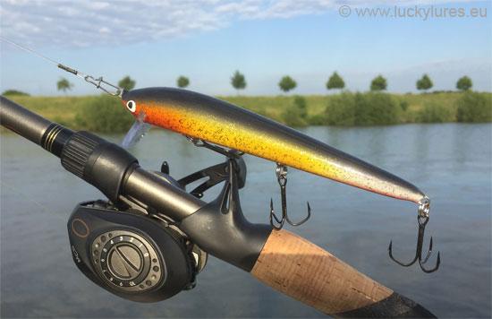 Der Nils Master INVINCIBLE ist auch beim flachen Fischen in den Kanälen ein Top-Zanderköder.